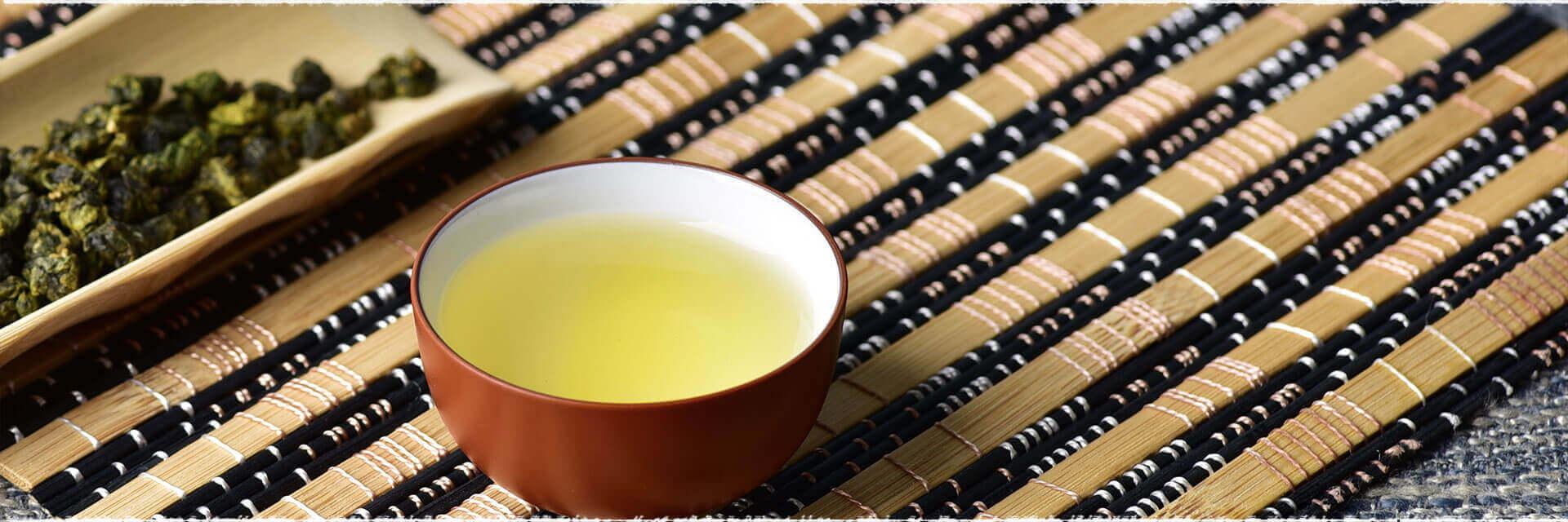 La fabrication du TieGuanYin, un Oolong de Chine.