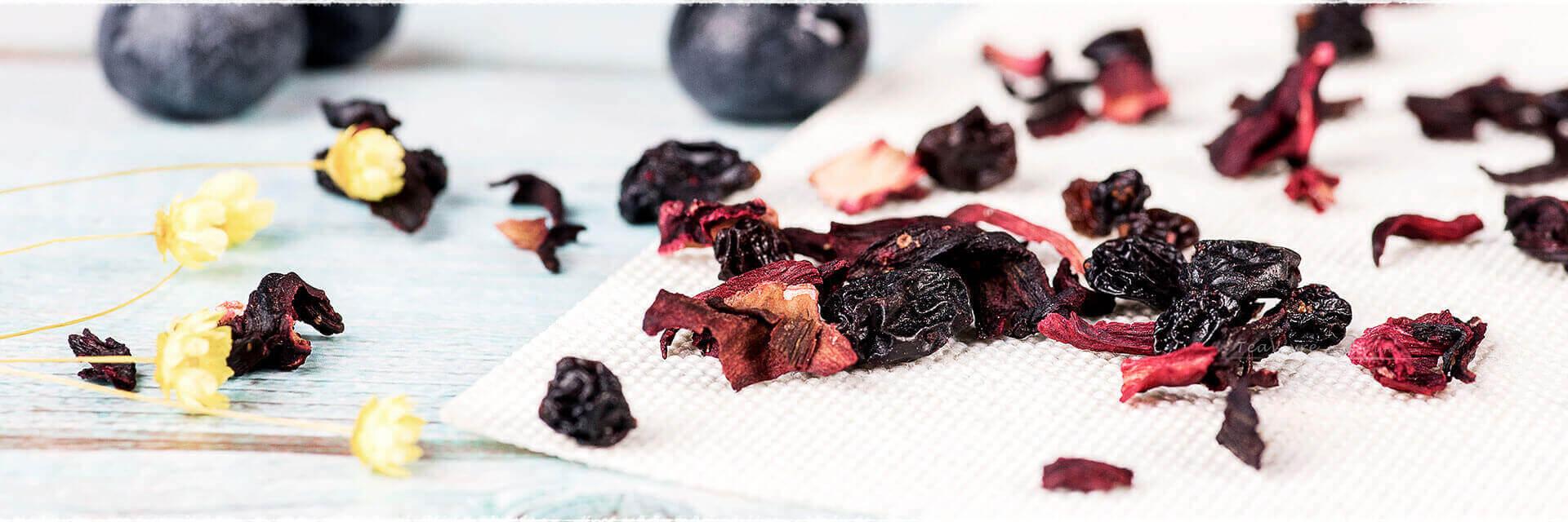 Verrine de fromage blanc et gelée fruits noirs & fruits rouges.