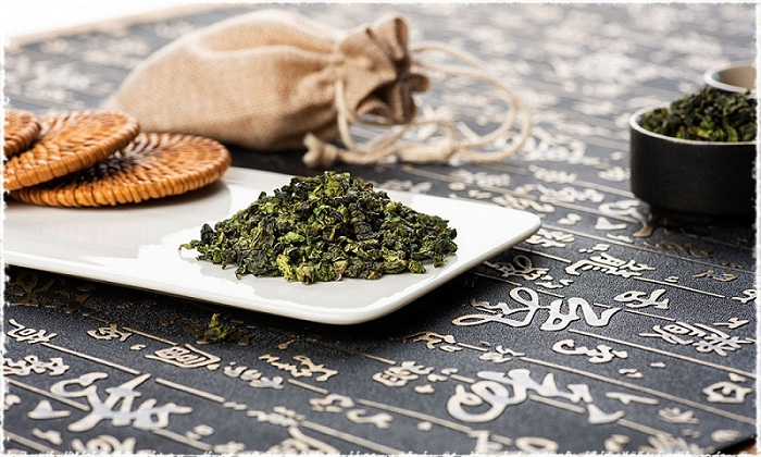 TieGuanYin entre thé vert et thé noir